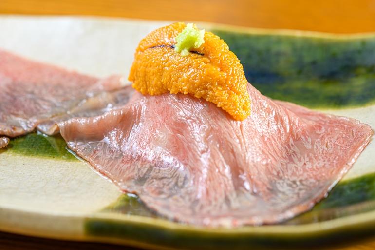 肉寿司アップ